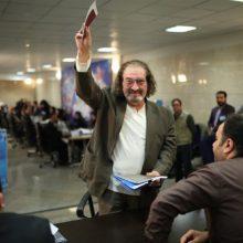 مستقل در انتخابات شرکت کردهام و نامزد احمدی نژاد نیستم.