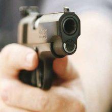تیراندازی در مرکز مشاوره اراک/ شلیک شوهر به زن با کلت کمری