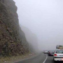 مه شدید در محور حیران – آستارا   جاده های گیلان بارانی و لغزنده است