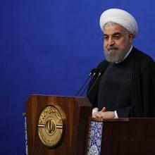روحانی در ضیافت افطار با مددجویان کمیته امداد خمینی(ره) و سازمان بهزیستی کشور با بیان رمضان برای هوشیاری و بیداری در مسیر تلاش و فداکاری برای همنوعان است