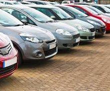 قیمت دو مدل خودروی وارداتی در بازار افزایش یافته است.قیمت دو خودروی وارداتی کمری هیبرید یک میلیون تومان و کمری GLI نیز دو میلیون تومان افزایش یافته است.