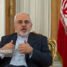 وزیر امور خارجه :هیچ وقت یک ایرانی را تهدید نکنند/سرمان بالاست و از جیب مردم خرج نکردیم/برخی به دیپلماسی آلرژی دارند