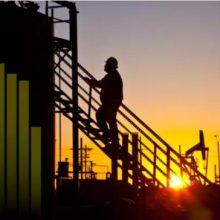 رییس بانک مرکزی روسیه در بیانیه ای اعلام کرد: ما همچنان انتظار داریم قیمت نفت به حدود ۴۰ دلار در هر بشکه در سال ۲۰۱۹-۲۰۱۸ کاهش پیدا کند اما انتظار نمیرود