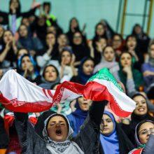 طیبه سیاوشی با تاکید بر اینکه حضور زنان در ورزشگاه ها هیچ منع قانونی ندارد: درست است در وهله اول خانمهایی که در بازی روز گذشته ایران و بلژیک حضور داشتند