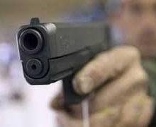 در حدود ساعت ۱ و ۴۰ دقیقه امروز گزارشی در خصوص تیراندازی در پارک شهید باهنر شهر اراک به مرکز فوریتهای پلیس اعلام و بلافاصله تیمهای گشت انتظامی اعزام شدند
