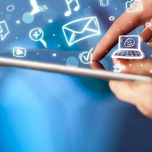 علی اصغر عمیدیان معاون وزیر ارتباطات از تصویب سرویس اینترنت نامحدود و توقف فروش حجمی اینترنت در کمیسیون تنظیم مقررات ارتباطات خبر داد.
