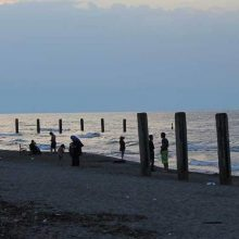 مدیر کل بررسی آلودگیهای دریایی سازمان حفاظت محیط زیست شناگاههای آلوده را اعلام کرد و گفت: شهروندان از شنا در شناگاههایی که پرچم زرد دارند، خودداری کنند.