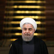 حجتالاسلام والمسلمین حسن روحانی در حاشیه اجلاس سران سه قوه در جمع خبرنگاران با بیان اینکه قطعا اعضای کابینه در مسیر جوانگرایی انتخاب خواهند شد