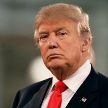 """هشدار ترامپ به ایران :کاخ سفید در بیانیه: دونالد ترامپ به ایران هشدار داد، در صورتی که همه شهروندان آمریکایی آزاد نشوند با """"پیامدهایی جدید و جدی"""" روبرومیشود"""