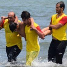 بازدید از طرح سالمسازی آبهای ساحلی بندرکیاشهر تصریح کرد:این افراد در خارج از طرحهای سالمسازی دریا اقدام به شنا کرده بودند که با حضور ناجیان غریق نجات یافتند
