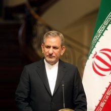 در واقع می خواهند با دولت مخالفت کنند اما باید به آنها بگوییم که شما با دولت مخالفید با ملت ایران که مخالفت ندارید. قرارداد با توتال در جهت توسعه ایران است
