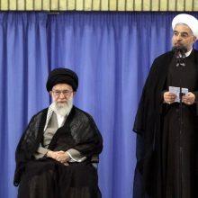 حسن روحانی در مراسم تنفیذ حکم ریاست جمهوری دوازدهم طی سخنانی اظهار کرد: خدای بزرگ را سپاسگزارم که یکی از بهترین روزها را برای آغاز به کار دولت دوازدهم