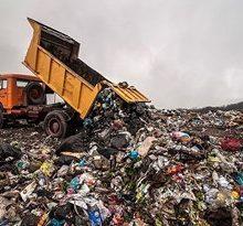 اخیراً اقداماتی توسط سازمان مدیریت پسماند در مرکز دفن زباله در سراوان انجامشده است که از آن جمله میتوان به اجرای عملیات گاردریل، اجرای عملیات دیوار گذاری