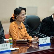 """مردم آواره در استان راخین کمکهای لازم ارائه شود. اما دولت میانمار در واکنش به این آتشبس تنها اعلام کرد که با """"تروریستها"""" مذاکره نمیکند."""