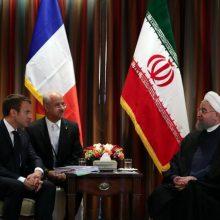 رییسجمهوری اسلامی ایران در دیدار رییس جمهور فرانسه ، نقش اروپا و پاریس را در حفظ فضای مثبت پسابرجام مهم دانست و تاکید کرد که تهران علاقهمند است در فضای