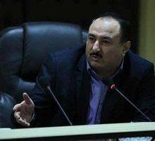 حاشیههای نامهنگاری شهردار رشت به خودش همچنان ادامه دارد، این فتوطنز را هم روزنامه شهروند منتشر کرده است.