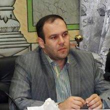 حکم شهردار جدید لاهیجان به امضای استاندار گیلان رسید و وی رسما به عنوان شهردار لاهیجان منصوب شد.مسعود کاظمی شهردار منتخب شورای پنجم لاهیجان