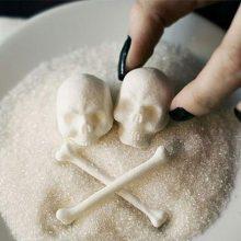 دانشمندان به شواهدی دست یافتهاند که نشان می دهد قند باعث تحریک سلولهای سرطانی شده و آنها را تهاجمیتر میکند.مصرف بیش از اندازۀ شکر باعث میشود که