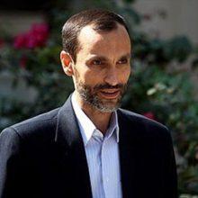 حمید بقایی معاون اجرایی دولت دهم در پایان جلسه اول دادگاه خود در جمع خبرنگاران گفت: ما این پرونده را سیاسی می دانیم. قاضی تاکید داشت محتویات