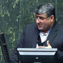 قرائت گزارش تخلفات منطقه آزاد ماکو باعث ایجاد حاشیههایی بین دلخوش و رئیس مجلس شد. درگیری لفظی نماینده صومعه سرا با لاریجانی