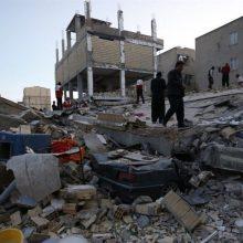 چندی از سناتورهای کنگره در نامهای از وزیر خارجه آمریکا خواستند تا محدودیتهای رسیدن کمکهای شهروندان ایرانی مقیم آمریکا به زلزلهزدگان کرمانشاه را لغو کنن