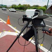معاون وزیر راه و شهرسازی از کاهش ۱۰ کیلومتری سرعت در تمام راههای کشور خبر داد و گفت: بر این اساس سقف سرعت مجاز در آزادراهها و بزرگراهها به ترتیب از ۱۲۰