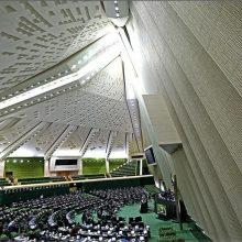 حسین مقصودی نماینده مردم سبزوار از استیضاح ۴ وزیر دولت دوازدهم از سوی تعدادی از نمایندگان خبر داد و گفت:به دلیل مشکلات اقتصادی ومعیشتی و نیز عدم همکاری