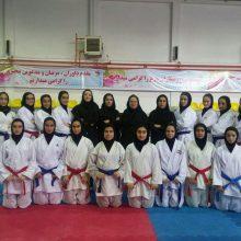 در پایان هفته سوم رقابتهای لیگ کاراته بانوان کشور موسوم به لیگ آیندهسازان تیم کاراته کلوچه نادری لاهیجان با ۴ پیروزی در صدر جدول قرار گرفت.