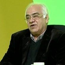 رضا غیاثی گفت: تا زمانیکه فیلم بازی سپیدرود و استقلال خوزستان را آنالیز نکنیم به اظهارات کریمی پاسخ نمیدهیم.