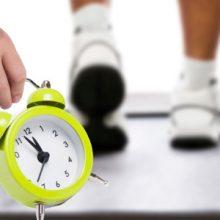 مطالعاتی وجود دارد که نشان میدهد بهترین زمان روز برای ورزش کردن با هدف چربی سوزی و عضلهسازی چه وقت است، اما زمان تنها یکی از عواملی است که بر عملکرد تمرینیتان اثر میگذارد.