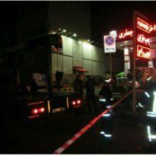 شهرام مومنی معاون عملیات سازمان آتشنشانی رشت از اعزام ۳ آتشنشان بهمراه یکدستگاه خودروی اطفایی و نجات به محل حادثه واقع در میدان گاز جنب پمپ بنزین خبر داد. واژگونی خودروی سمند