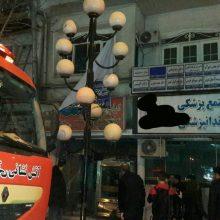 شهرام مومنی معاون عملیات سازمان آتش نشانی رشت از اعزام ۲۱ آتشنشان بهمراه ۵ دستگاه خودروی اطفایی به محل حادثه خبر داد. آتش سوزی در کباب سرایی