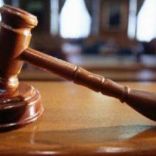 یک قاضی درکرمان طی حکمی پنج متهم قتل غیر عمد را به جای یک سال زندان به آموزش رایگان هنرو کاشت درخت محکوم کرد.