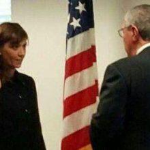 نازک نیک اختر، وکیل ایرانی آمریکایی به عنوان معاون جدید وزارت بازرگانی آمریکا سوگند یاد کرد.