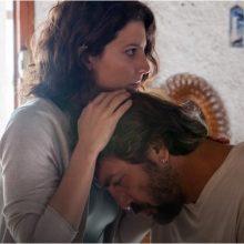 فیلم «همه میدانند» پس از نمایش در افتتاحیه جشنواره فیلم کن با بازخوردهای متفاوت منتقدین نشریههای سینمایی رو به رو شده است. فیلم فرهادی در کن