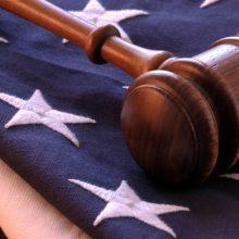 دادگاه فدرال آمریکا طی حکمی ایران را به پرداخت غرامتی به مبلغ ۶ میلیارد دلار به خانواده قربانیان حملات ۱۱ سپتامبر محکوم کرده است.
