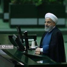 یک عضو هیات رئیسه مجلس نامه ۱۸۷ نفر از نمایندگان مجلس شورای اسلامی که در خصوص ترمیم تیم اقتصادی کابینه خطاب به رئیس جمهور بود قرائت کرد.تیم اقتصادی کابینه