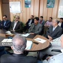 در نشست با مدیران واحدهای صنعتی وتجاری استان، اظهار داشت: سیاست و استراتژی کلان کشوری و استانی بر دو اصل استوار است