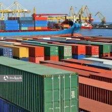 اکنون برخی واردکنندگان میگویند که حتی اجازه ثبت سفارش جدید برای واردات کالا را نیز ندارند و همین امر مشکلات زیادی را در جهت تامین مواد اولیه مورد