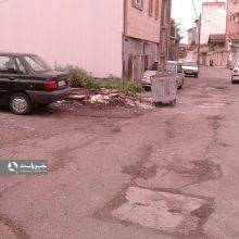 وضعیت آسفالت و دریچه های فاضلاب محله لب آب رشت+تصاویر