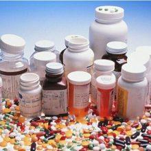 حصاری با اشاره به نگرانیهایی که در خصوص کمبودهایی دارویی در کشور وجود دارد، اظهار کرد: متاسفانه به صورت کشوری دچار تهدید تحریمها هستیم. کمبودهای دارویی در گیلان