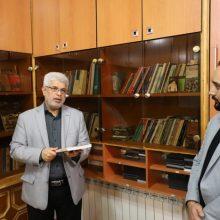 شنبه ۷ مهرماه رییس کمیسیون فرهنگی اجتماعی شورای شهر رشت از کتابخانه روابط عمومی شورا بازدید و تعداد قابل توجه ای کتاب و لوح فشره