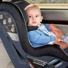 استفاده از صندلی کودک در خودرو اجباری شد