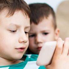 اختلالات خواب کودکان و نوجوانان ارتباطی با نمایشگرهای هوشمند ندارد