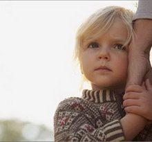 صحبت نکردن کودکان را جدی بگیریم