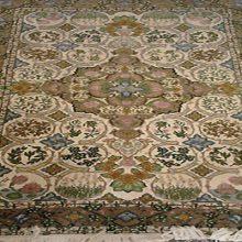 اولین فرش با طرح گیلانی توسط یکی از بانوان هنرمند لاهیجان رونمایی می شود.