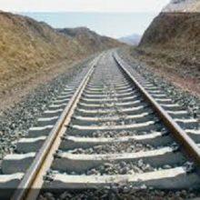 عملیات آخرین پل راه آهن رشت- قزوین آغاز شد/صد کیلومتر از راه آهن رشت- قزوین ریل گذاری شد