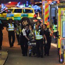 طبق گفته پلیس، سه مهاجم خودرویی را به سمت عابران پیاده برای زیر گرفتن رهگذران در «لاندن بریج» حرکت دادند و سپس به مردم در بورو مارکت لندن چاقو زدند.