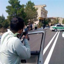 کشته و زخمی شدن دو زورگیر در میدان المپیک تهران :دو نفر پس از متوقف کردن خودرواش با زورگیری همه مدارک و وسایل همراهش را با خود برده