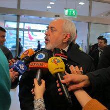 پس از نشست بیش از یک ساعته با وزیران خارجه ۱+۵ در جمع خبرنگاران ایرانی گفت: جلسه مشخصی بود که در آن تاکید شد نگرشها بر برجام مبتنی بر رویکردی